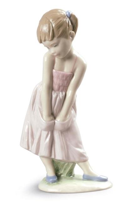 стеснительная девчонка